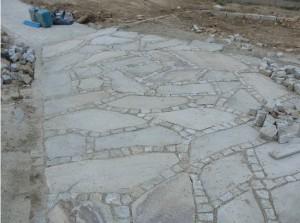 Podjazd z kamienia - gotowy fragment