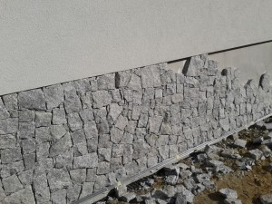 Granit elewacyjny płytka łupana