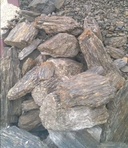 Bryły kamienne z gnejsu