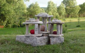 Latarnie ogrodowe z kamienia