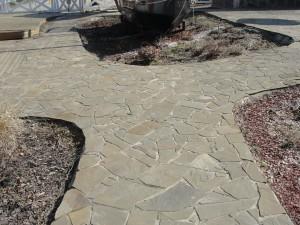 Chodnik z piaskowca kwarcowego