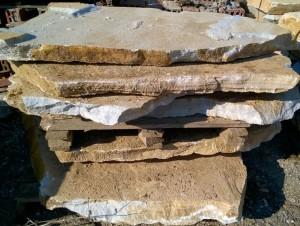 Płyty marmurowe łupane duże nieregularne -2
