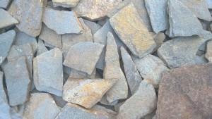 Gnejs metaliczny mozaikowy łupany nieregularny – poligonalny